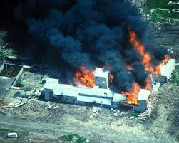 The complex housing the Branch Davidians goes up in flames